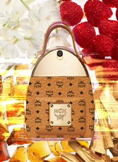 Loại nước hoa: Unisex Nồng độ: Eau De Parfum Dung tích: 30ml Nhóm hương: Floral Woody – hương hoa cỏ gỗ